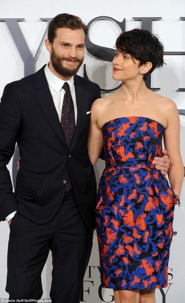 Hugh Jackman và tài tử 50 sắc thái bị vợ cấm làm việc với Angelina Jolie (1)