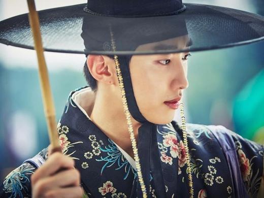 Ngắm nhan sắc những mỹ nam mới nổi của điện ảnh Hàn Quốc (8)