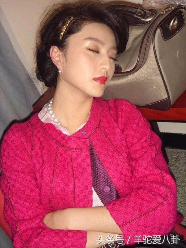 """Những khoảnh khắc """"khó đỡ"""" của sao C-biz khi ngủ (8)"""
