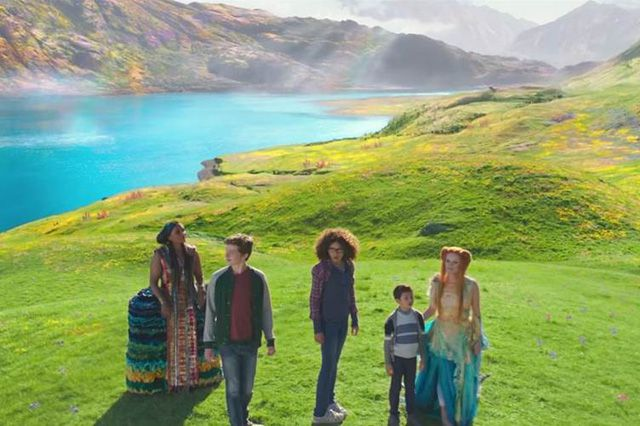 """A Wrinkle In Time"" tung trailer huyền ảo về nếp gấp thời gian (3)"