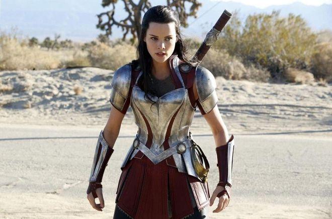 """Cùng các thánh soi nhặt sạn trong bom tấn """"Thor: Ragnarok"""" nào! (3)"""